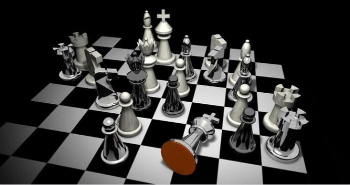 Jogue xadrez online com computador 3D