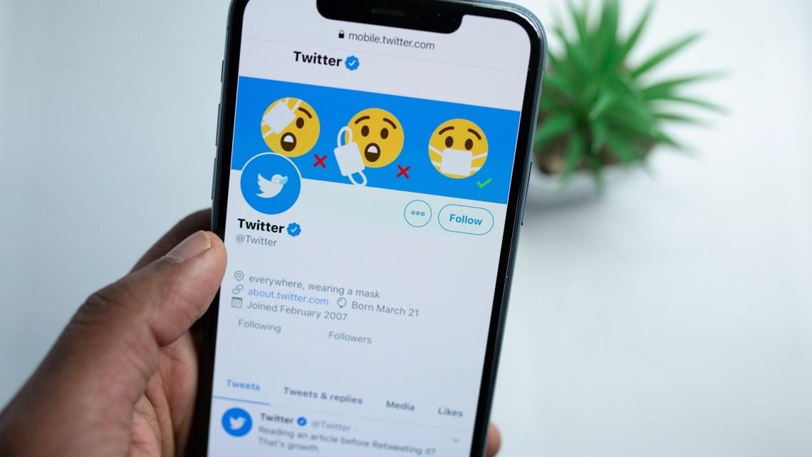 Como compartilhar uma postagem do Twitter no WhatsApp?
