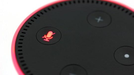Estás solo en casa con Alexa. ¿Están seguros tus secretos?