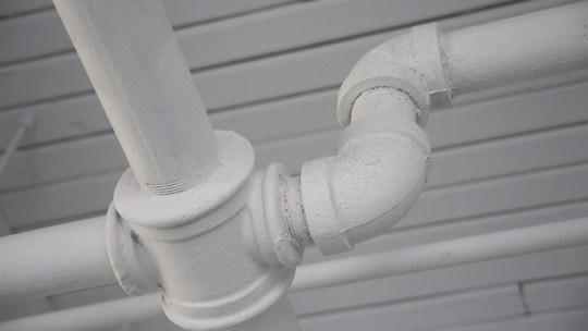 Cómo preparar tus tuberías para el invierno y prevenir un desastre por congelación