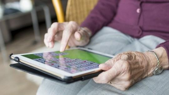 COVID-19 ayuda a superar la brecha digital generacional