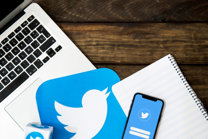 How to add and change multiple accounts on mobile Twitter