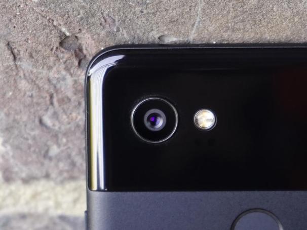 google pixel 2 xl camera - مقارنة بين جوالي Pixel 2 XL و Mate 10 pro من حيث التصميم والشاشة والكاميرا والأداء