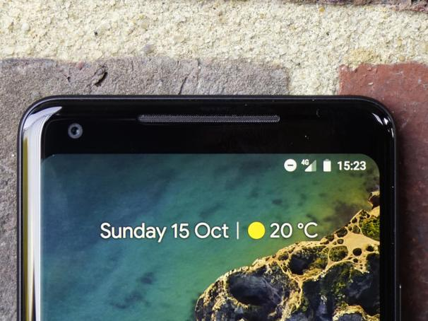 google pixel 2 xl design 1 - مقارنة بين جوالي Pixel 2 XL و Mate 10 pro من حيث التصميم والشاشة والكاميرا والأداء