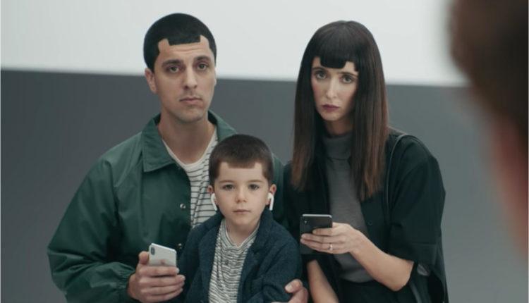 Samsung mocks iPhone X notch storage and multitasking in fresh batch of Ingenius ads 750x430 - لمرة أخرى .. سامسونج تطلق 3 فيديوهات جديدة تسخر بها من iPhone X
