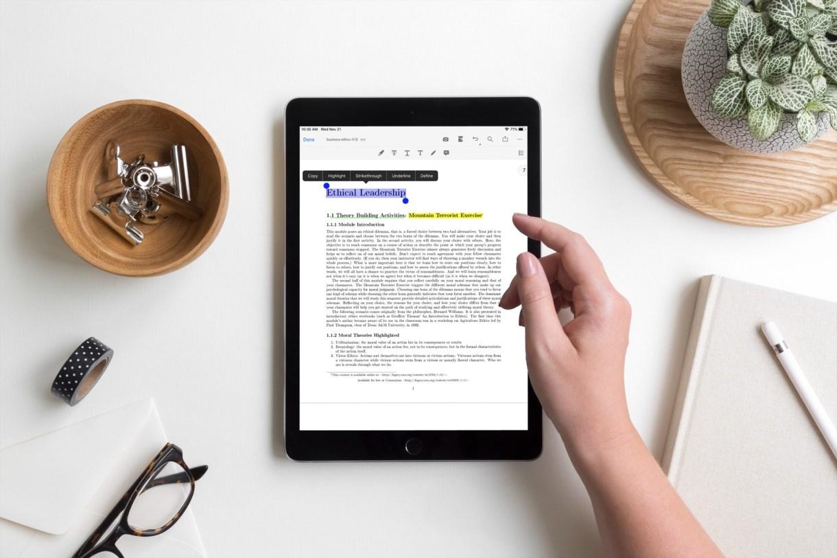 Adobe Acrobat Reader - أفضل تطبيق لقراءة ووضع الملاحظات على كتب PDF على الايفون والايباد