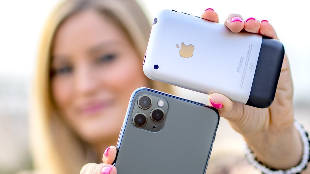 maxresdefault 2 - بالصور والفيديو.. مقارنة بين كاميرا جوال آيفون 11 برو ماكس وجوال آيفون الآول