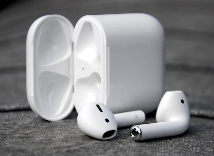 شحن سماعه ايربودز 1 - كيف اعرف شحن سماعه ايربودز من خلال Siri المساعد الصوتي