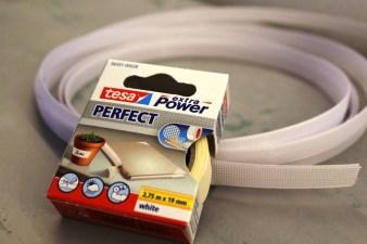 1 cm brede spiler er brukt i korsettet - om du vil sikre enden så den ikke skader stoffet kan du sette en tapebit på