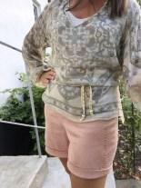 Komfortable og lekre - shorts med strikk i livet og oppbrett