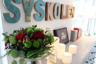 Hyggelig med røde blomster til jul