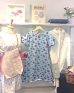 Tre forskjellige kjoler som er superenkle å sy - se hvordan jeg sydde den turkise kjolen live. Link i innlegget