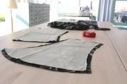 Mønsterdelene klippes ut - forstykket og bakstykket er vist på bildet