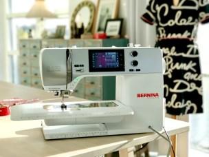 En nydelig symaskin når man skal quilte - Bernina 570. Så gøy å få lov til å testsy på denne nye modellen - passer godt i mitt systudio