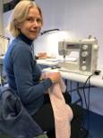 "Annette har kjøpt et ""ekte"" tweed stoff på fabrikken Lindon-Tweed - det var så lekkert!"