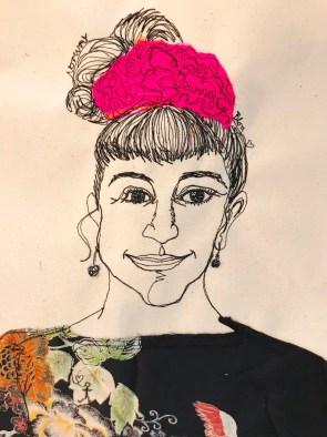 Portrettet ble laget på ca 20 minutter. Harriet tegner med symaskinen og tryller frem sin fortolkning av personen som sitter foran henne