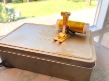 Gullfoten blir et smykke og gullboksen praktisk oppbevaring og syskrin på reiser