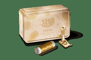 Når Bernina feirer 125-års jubileum så ser det ganske festlig ut - gullboksen inneholder gulltråd og gullfoten