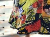 En lekker detalje - det smale blondebåndet avslutter volangen og er med på å gøre kjolen unik