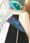 Den karakteristiske kanten som går hele veien rundt jakkeåpningen får et lag med vlieseline så den beholder formen ved bruk og vask
