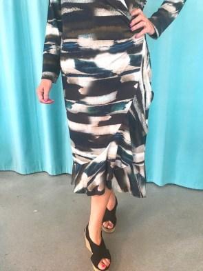 Ferdig kjole og med nydelig volang