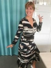 Ser ut som Mona er ganske glad for kjolen og Line2Lines nye mønster
