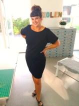 Stoffet som kjolen er sydd i er fra KreStoffer og er en kraftig viskosejersey