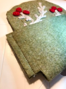 Legg etuiet rette mot rette og sy sidesømmene på symaskinen