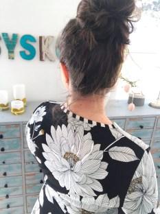 Mitt absolutte favorittmoment med kjolen er kantebåndet i nakken - her har jeg brukt en sort/hvitt stripete jersey for å få en frekk liten detalje