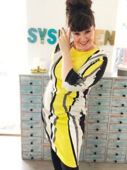 Stoffet til kjolen er kjøpt for et par år siden av Italienska Modetyger som finnes i Mølndal syd for Gøteborg