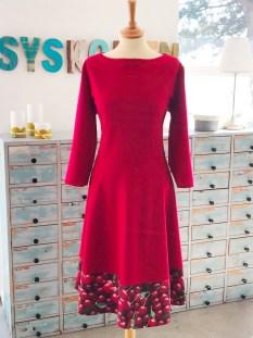 En enkel, nesten ensfarget jerseykjole
