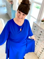Se min kjole, den er blå som - blåklokken. Det er fordi jeg elsker blått 💙