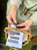 Bente viste hvordan man lagde flettede bånd i jernalderen