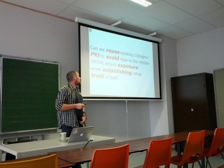 """Jarle presenting his talk """"Using salt to leverage existing Cfengine installation by reuse of Cfengine PKI in Salt"""""""