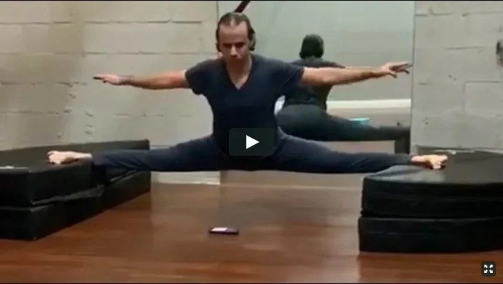 Hyperbolic Stretching course by Alex Larsson