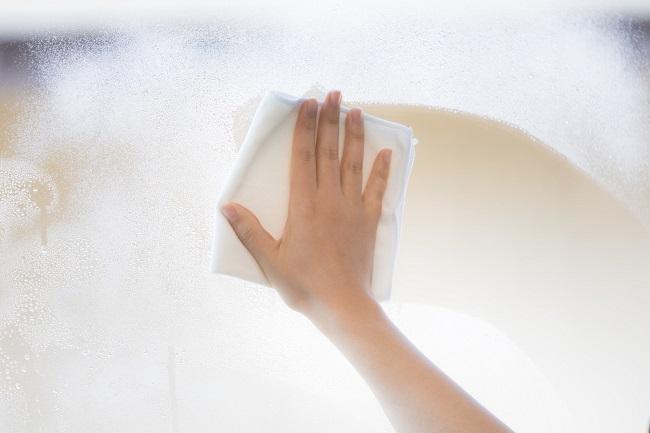 窓のカビ取り掃除と重曹