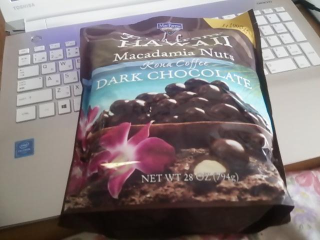 コストコでマカデミアナッツチョコを発見