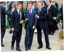 Медведева попросили