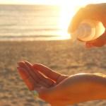 日焼け後のケアにおススメな化粧水の使い方。アフターケアで紫外線ダメージを軽減して酒さの悪化を防ごう。