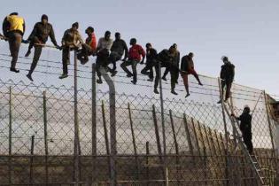 Melilla, spanyol enklávé 'biztonsági határzár' - 5