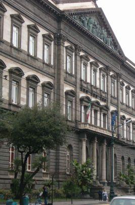 Egyetem Nápoly