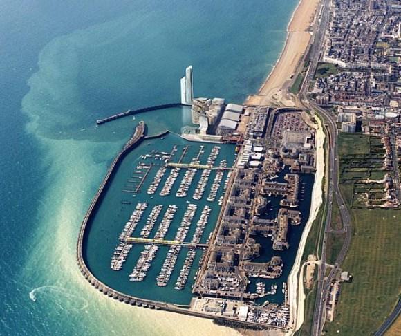 Brighton Marina Village port