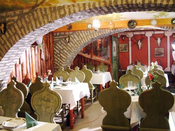 stüszi-vadász étterem belső