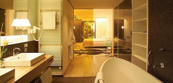 Fürdő és szálloda