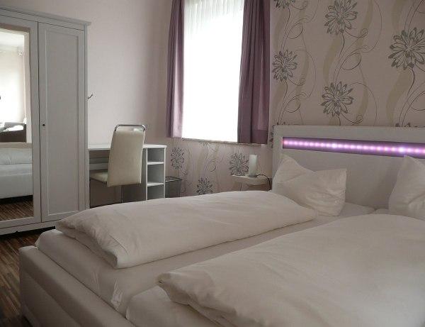 Bréma, Bremen modern hotelszoba fehér