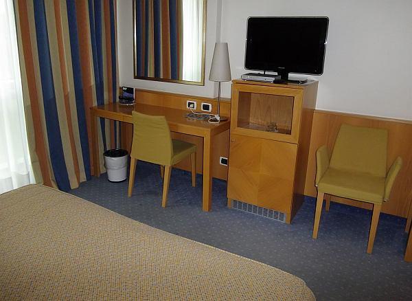 Bergamo Executive hotelszoba bútor luxus stílus