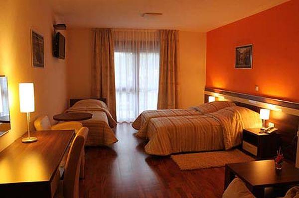Hotel Degenija szoba