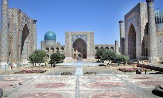 Üzbegisztán emlékmű