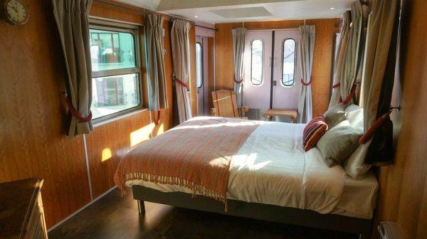 Train Hostel suite