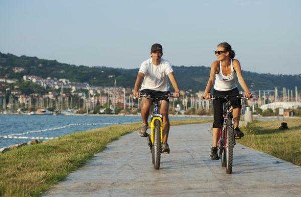 kerékpárbérlés, tengerpart és kemping szálláshely